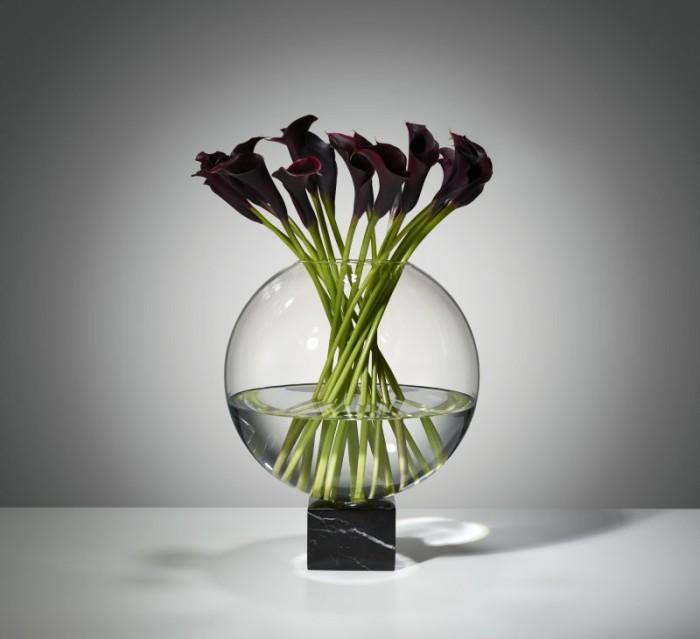Mich01-Podium-Globe-black-studio-03 kopia