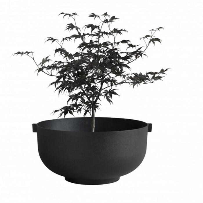 castle_black_small_planter-kopia-700x876