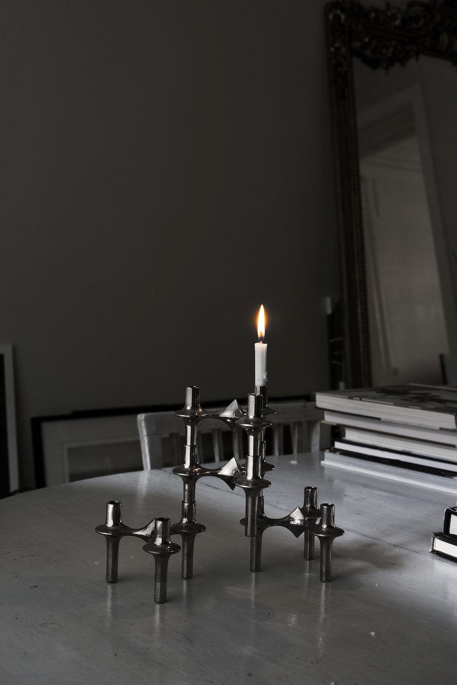 Bild på Nagel-ljusstake hemma hos Michelle Meadows.