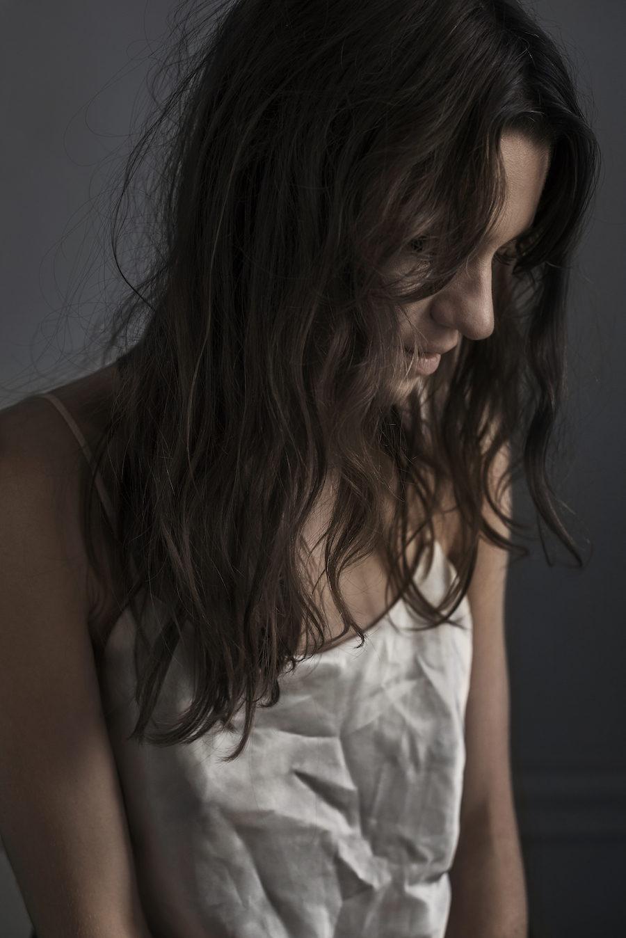 Närbild på Michelle Meadows, aktuell i SVT-serien Katsching.
