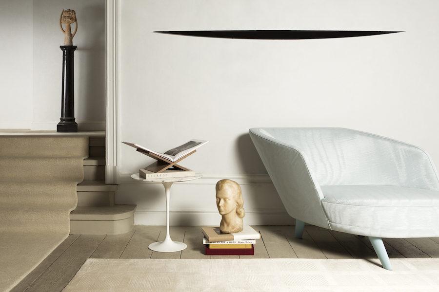 Elegant inredning med bokstöd från Claes Daléns Livrest.