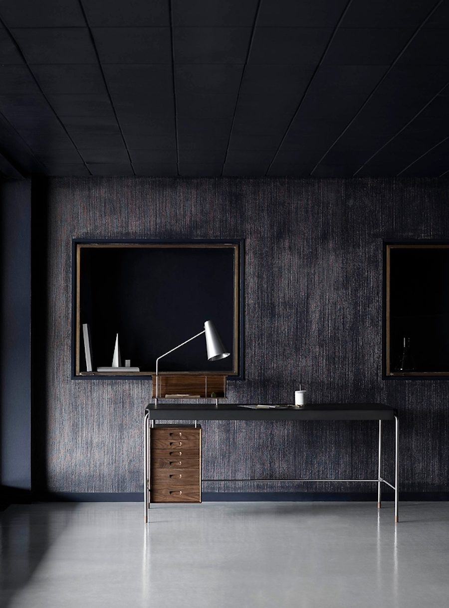 Carl Hansen & Son återlanserar Arne Jacobsens Society Table.