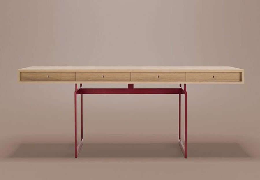 Danska designföretaget Karakter återlanserar Bodil Kjær ikoniska skrivbord från 1959.