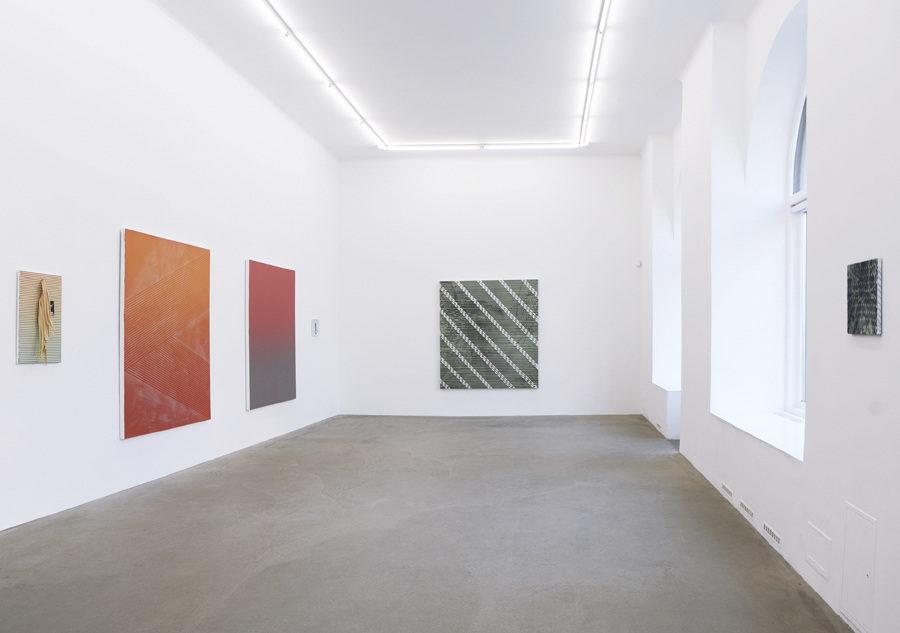 Bild på Ditte Ejlerskovs utställning You Made Me på Annaelle Gallery.
