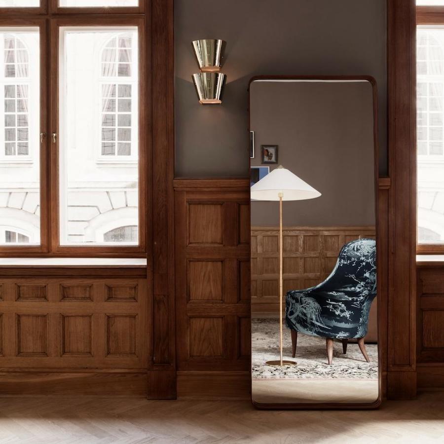 Gubi återlanserar golvlampan 9602 designad av Paavo Thyrnell.