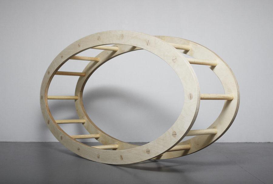 Egenbyggd oval stege av Leo Forssell.
