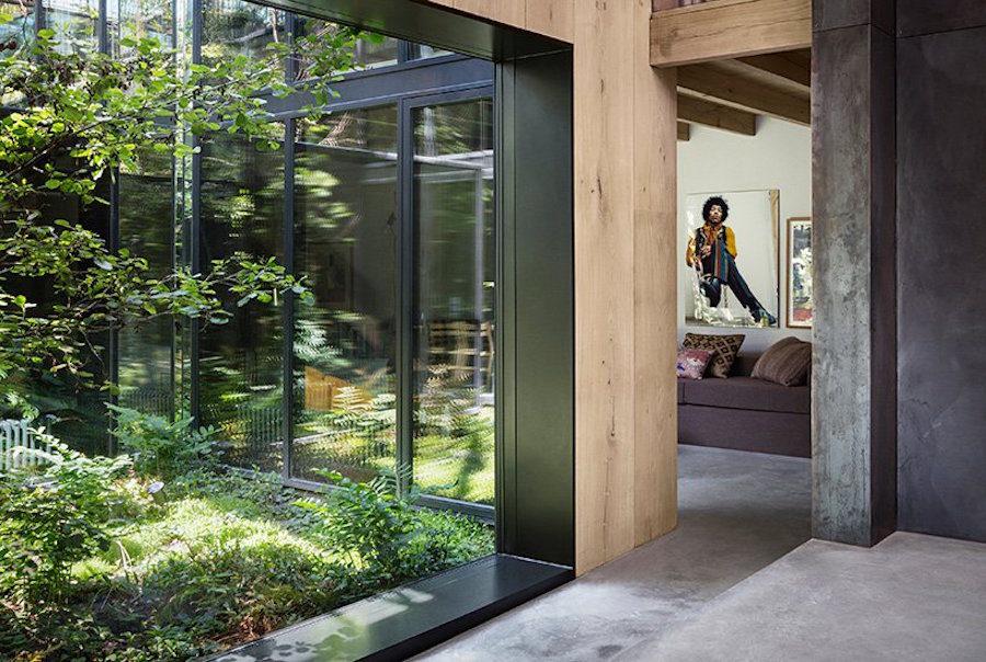 Atrium hemma hos Peter Krasilnikoff, ritat av David Thulstrup