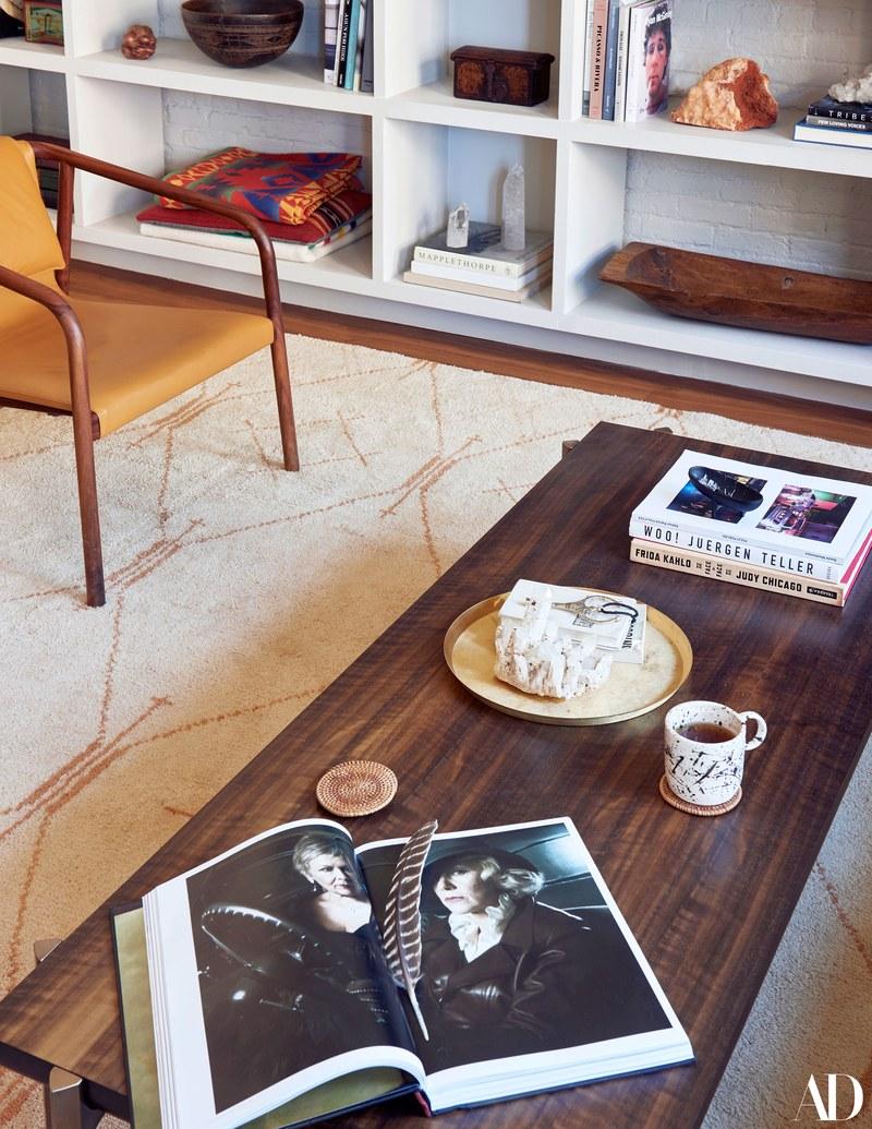 New York lägenhet fylld med konst och personlighet
