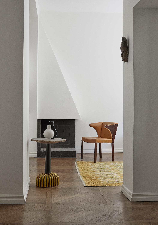 Claes Juhlin stylar med objekt och möbler från Bukowskis