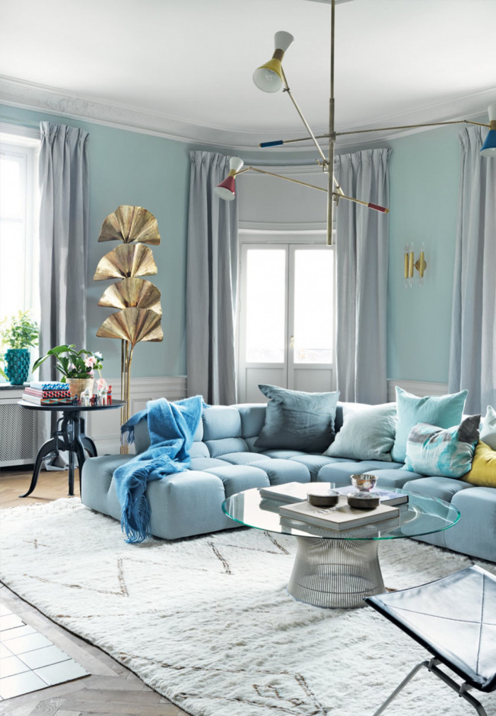 sofa-velour-blaa-lejlighed-stockholm-T5XA-V4Qw7isK4pAcyK2vg