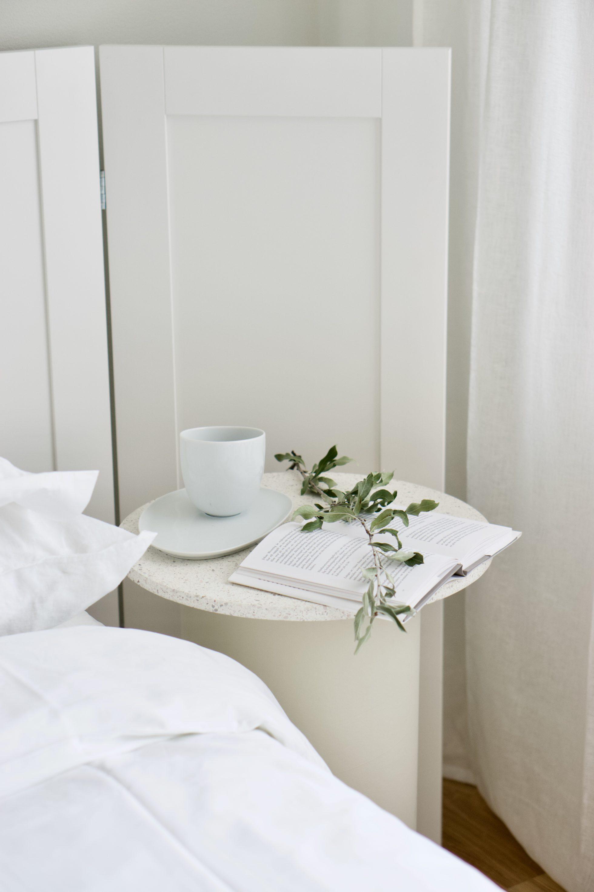 DIY: Sänggavel av köksluckor